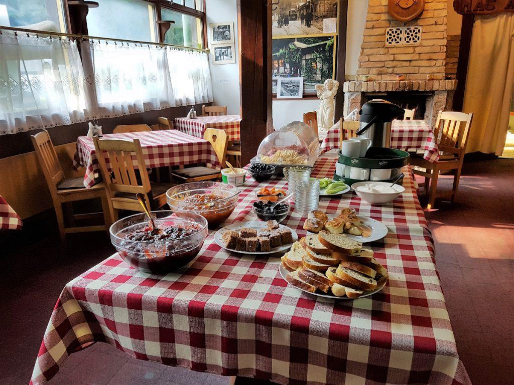 camping bij boedapest ontbijt